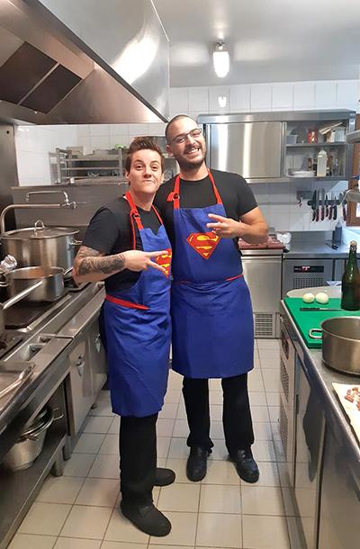 en-cuisine-equipe